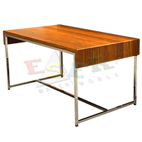 LG - 28 / A Table for Merchandise Display 150 x 70 cm h 70 cm