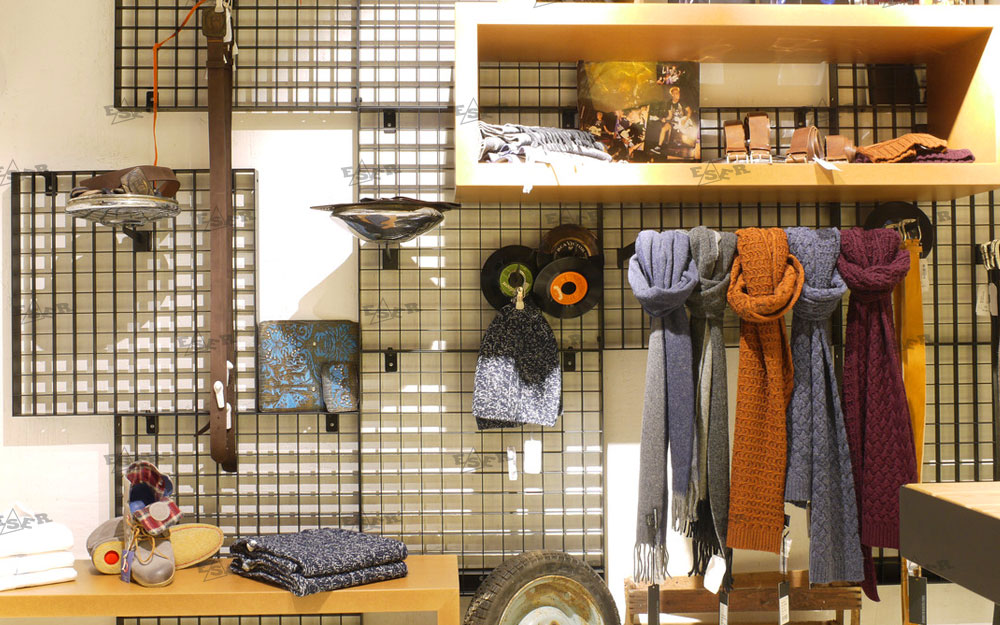 Textile Shopfitting Design 32